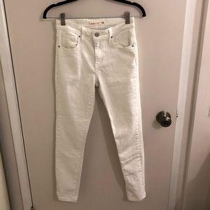 White Levi's Skinny Jeans